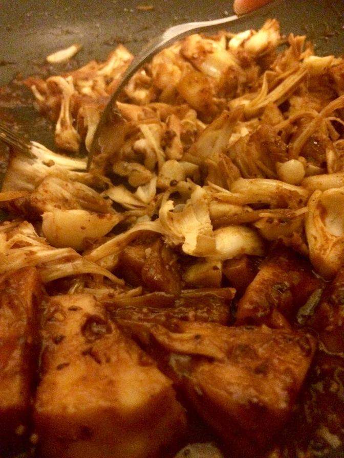 Vegan pulled pork shred